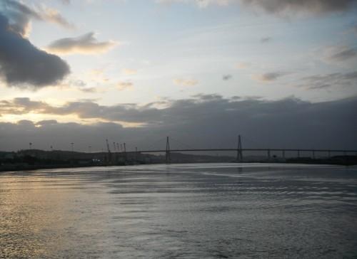 24-4-12 07h02 départ de Figueira pont sur el Rio Mondego.JPG
