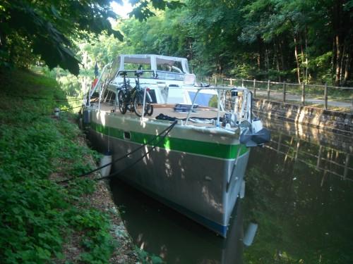 15-8-12 8h24 Canal du centre amarrage berge de Chagny paysage de bourgogne.JPG