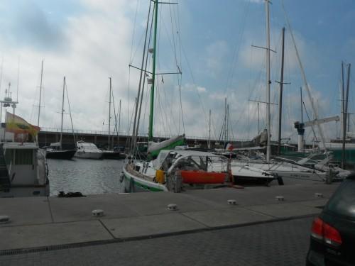 05-7-12 10h43 Barcelone Ericante au port Olympic.JPG